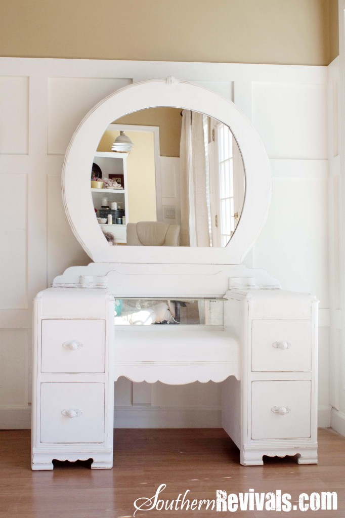 vintage vanity with round mirror.  A 1940s Vanity Dresser Mirror Revival Southern Revivals