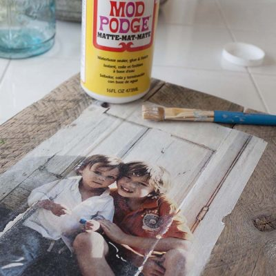 DIY Pallet Photo Frames with Mod Podge Photo Transfer