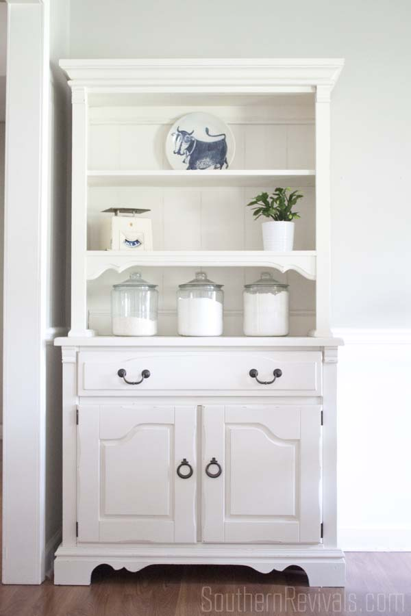 Fusion Mineral Paint Farmhouse Style China Cabinet Makeover