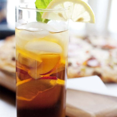 Adult Pizza + Game Night | Tipsy Peach Tea Recipe