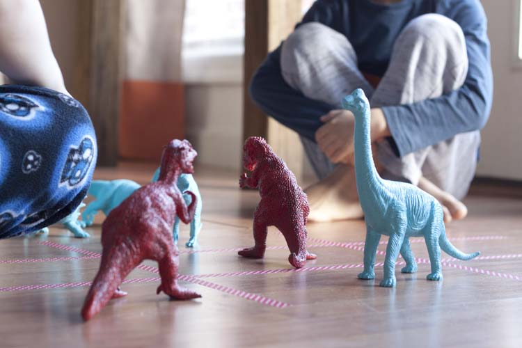 DIY Dinosaur Tic Tac Toe - a Kid's Valentine Party Game