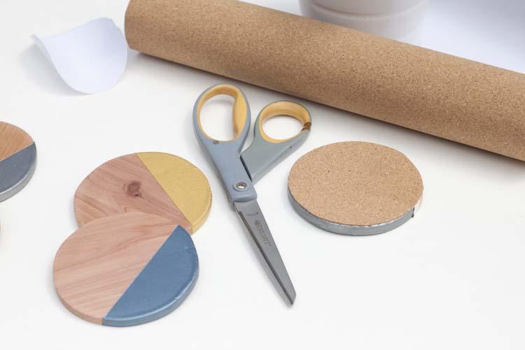 DIY-Metallic-Dipped-Wooden-Coasters10