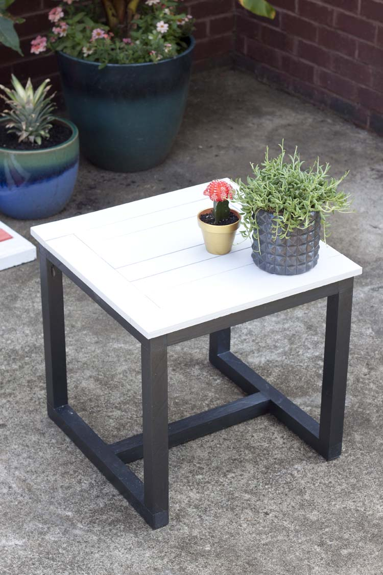 diy outdoor side table pottery barn knockoff. Black Bedroom Furniture Sets. Home Design Ideas