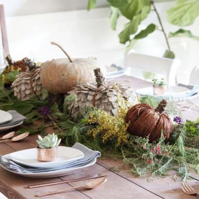 Farmhouse style | Farmhouse-Inspired Fall Table Decorations