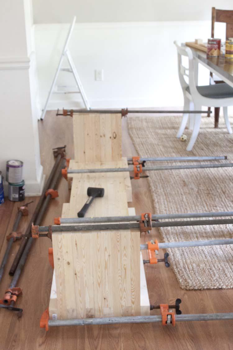 DIY West Elm Inspired Modern Farmhouse Bench