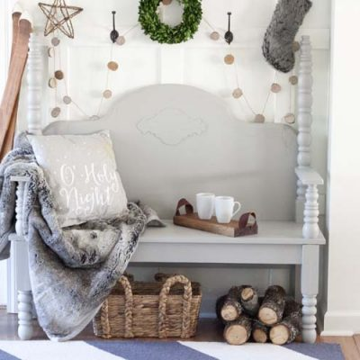 Farmhouse Christmas Entryway Styling Ideas